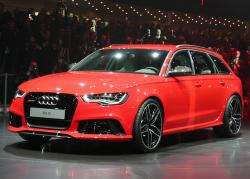Audi RS6 Avant 2013 red color
