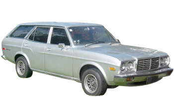 Mazda 929 Estate / Wagon / 5 doors / 1982-1988 / Front-right view