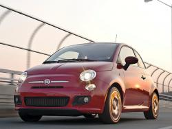 Fiat 500 Sport red color